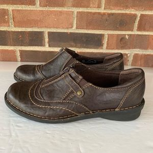 Clarks brown leather flat shoes